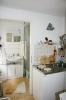 Gartenidylle, Blick zur Küche und Bad